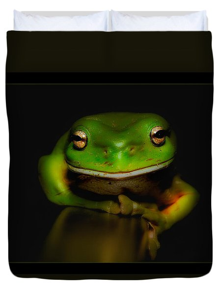 Duvet Cover featuring the photograph Super Frog 01 by Kevin Chippindall