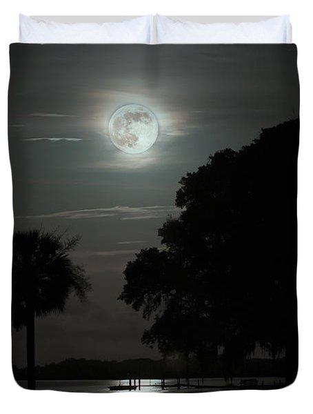 Super Moon Over Wimbee Creek Duvet Cover