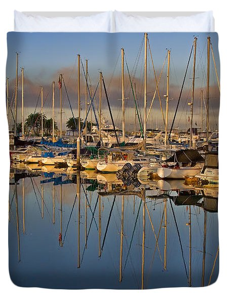 Duvet Cover featuring the photograph Sur La Mer by Gary Holmes