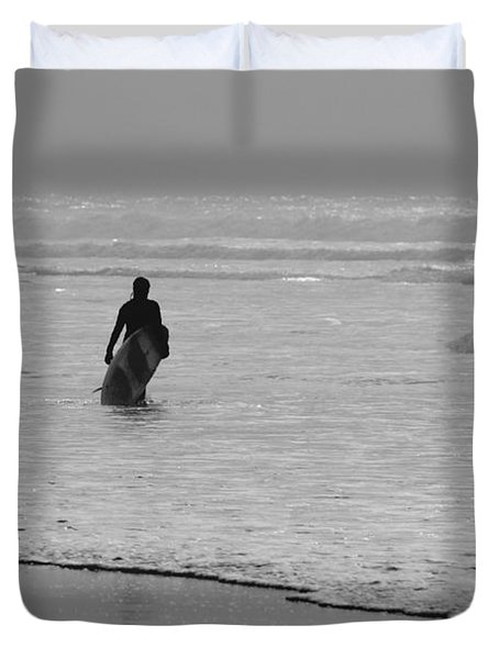 Surfer In The Mist Duvet Cover by Terri Waters