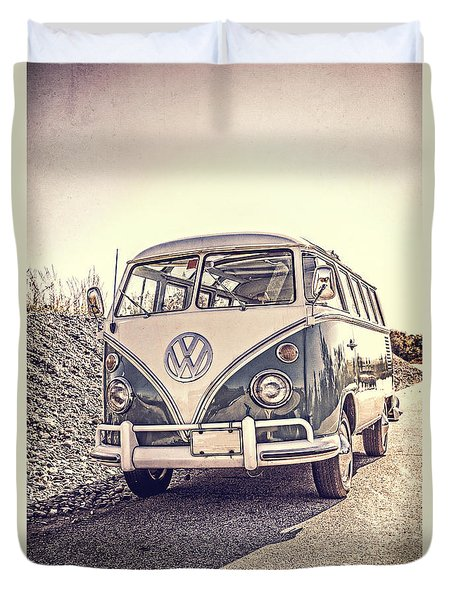Surfer's Vintage Vw Samba Bus At The Beach Duvet Cover