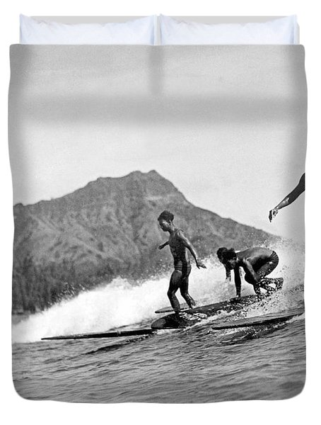 Surfing In Honolulu Duvet Cover