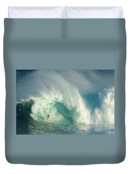 Surfing Jaws 3 Duvet Cover