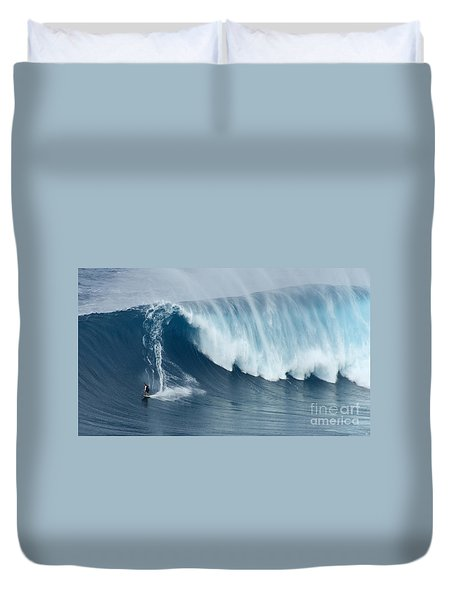 Surfing Jaws 5 Duvet Cover