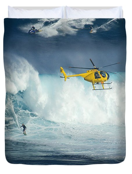 Surfing Jaws 6 Duvet Cover by Bob Christopher