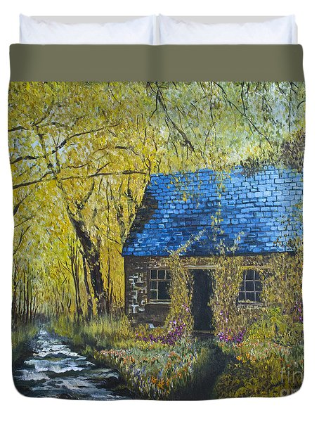 Duvet Cover featuring the painting Susan's Cottage by Suzette Kallen