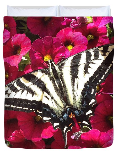 Swallowtail Butterfly Full Span On Fuchsia Flowers Duvet Cover by Deprise Brescia