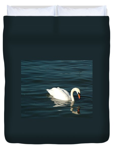 Duvet Cover featuring the photograph Swan Elegance by Kathy Churchman