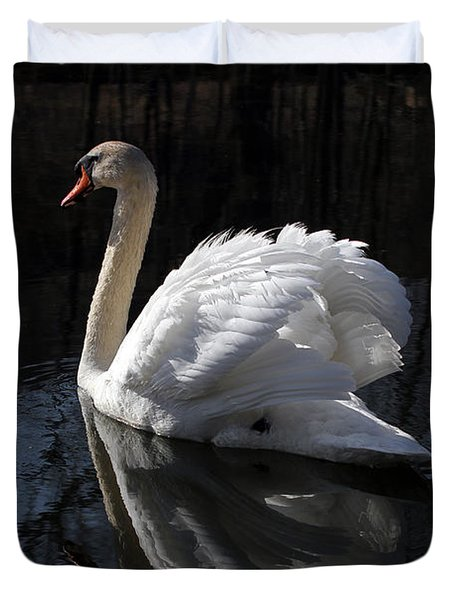 Swan With Reflection  Duvet Cover