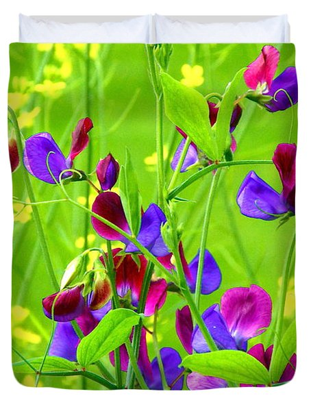 Duvet Cover featuring the photograph Sweet Peas by Byron Varvarigos
