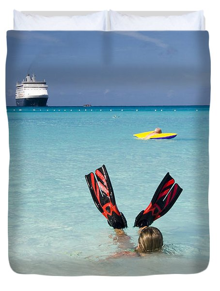 Swimming At A Caribbean Beach Duvet Cover by David Smith