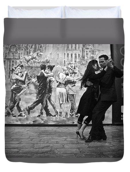Tango Dancers In Buenos Aires Duvet Cover