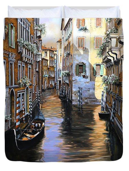 Tanta Luce A Venezia Duvet Cover