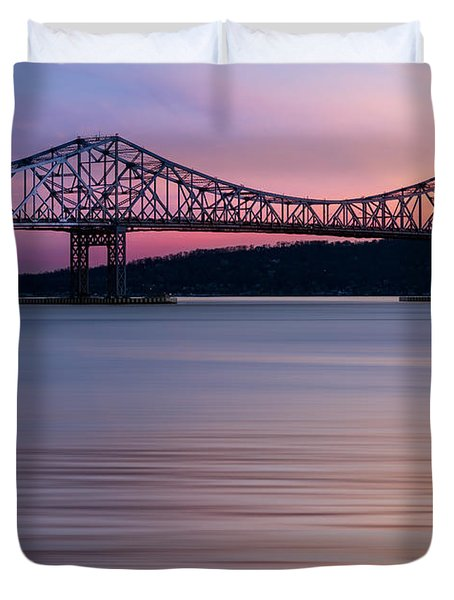 Duvet Cover featuring the photograph Tappan Zee Bridge Sunset by Susan Candelario