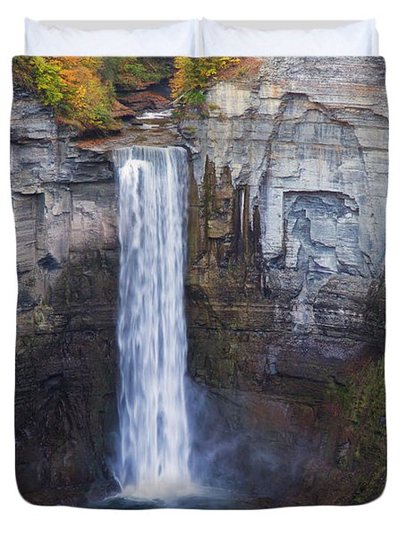 Taughannock Falls In Autumn Duvet Cover