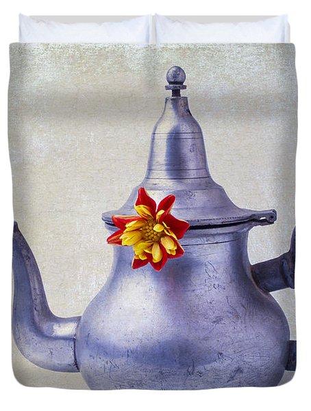 Teapot Dahlia Duvet Cover