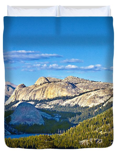 Tenaya Lake From Olmsted Point In Evening Duvet Cover