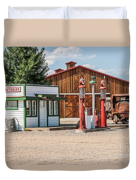 Texaco And Mack Duvet Cover by Sue Smith