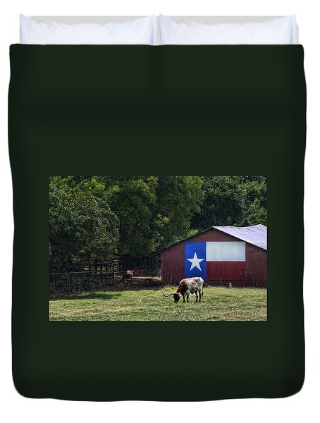 Texas Longhorn Grazing Duvet Cover