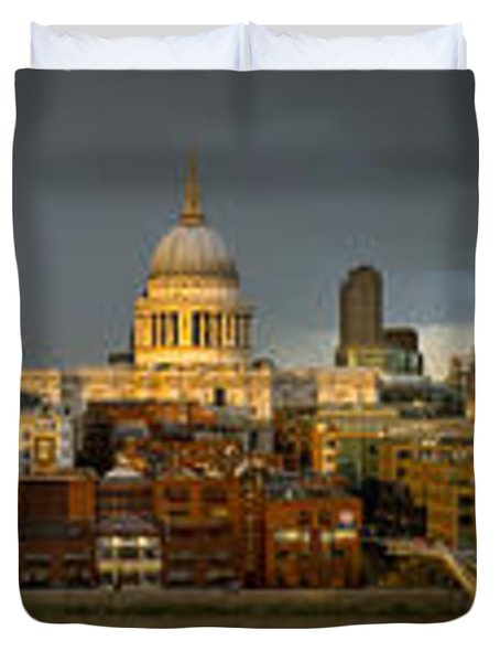Thames With St Paul's Panorama Duvet Cover