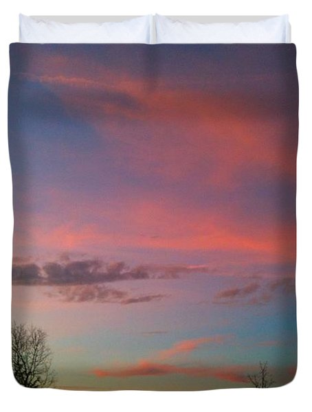 Duvet Cover featuring the photograph Thankful For The Day by Linda Bailey