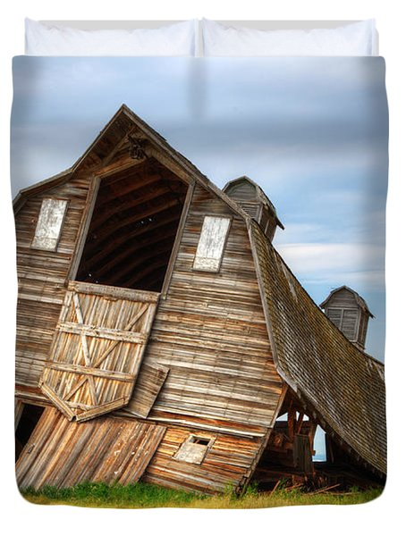 The Beauty Of Barns  Duvet Cover by Bob Christopher