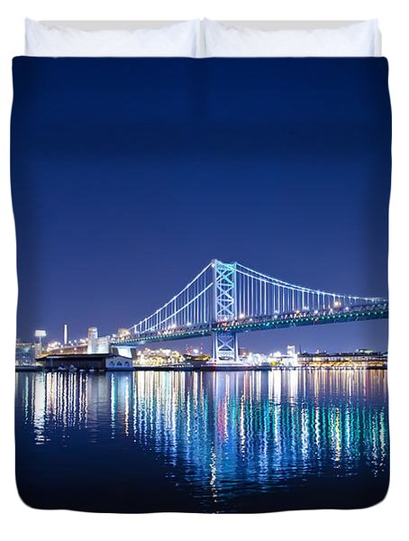 The Benjamin Franklin Bridge At Night Duvet Cover by Bill Cannon