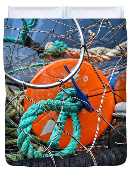 Duvet Cover featuring the photograph Crab Ring by Thom Zehrfeld