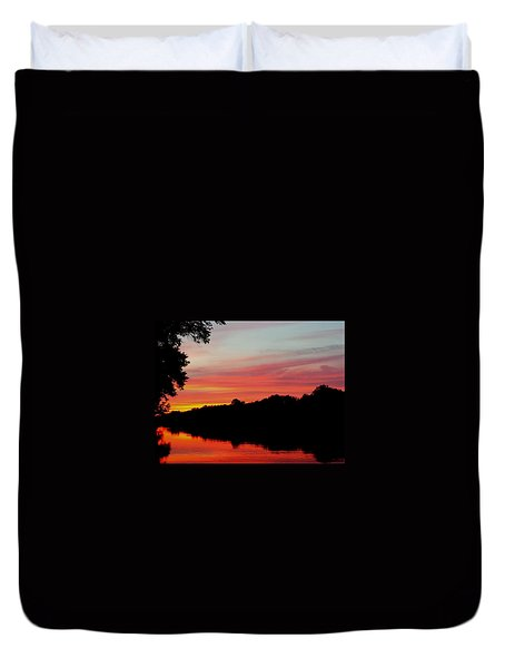The Cumberland At Sunset Duvet Cover by Chris Tarpening
