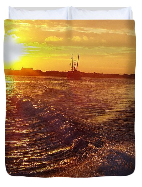 The End To A Fishing Day Duvet Cover by John Telfer