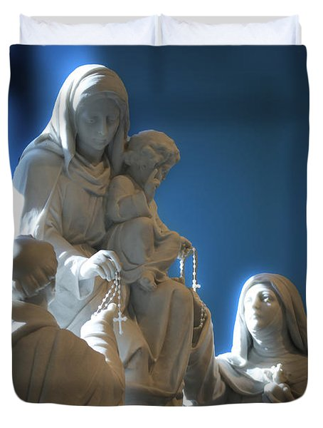 The Gift Of The Rosaries Statue Duvet Cover by Thomas Woolworth