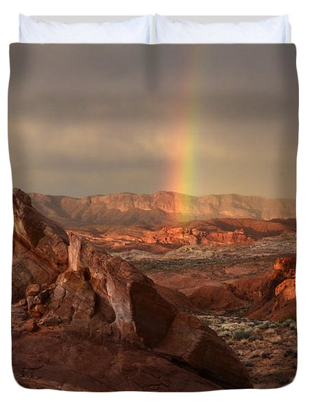 The Glory Of Sandstone Duvet Cover by Bob Christopher