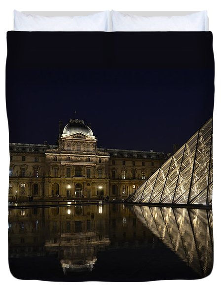 The Louvre Palace And The Pyramid At Night Duvet Cover by RicardMN Photography