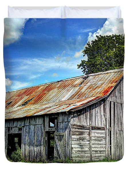 The Old Adkisson Barn Duvet Cover
