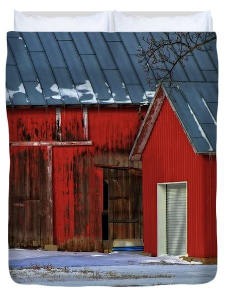 The Old Red Barn In Winter Duvet Cover by Dan Sproul