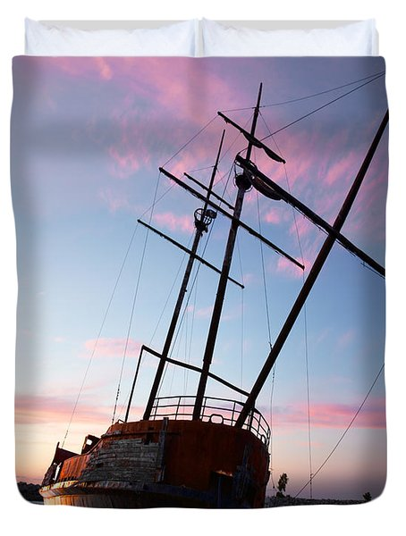 The Pirate Ship Duvet Cover by Barbara McMahon