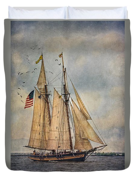 The Pride Of Baltimore II Duvet Cover