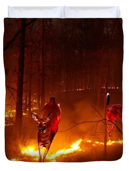 The Ring Of Fire Duvet Cover by Bill Stephens