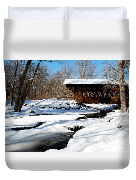 The River Flows Under The Springwater Covered Bridge Duvet Cover
