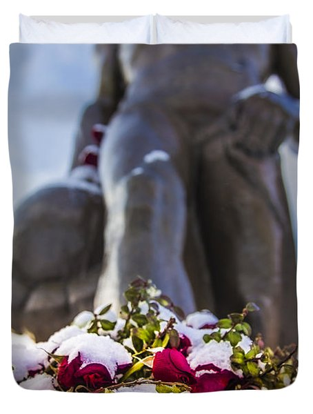 The Spartan With Roses 2 Duvet Cover