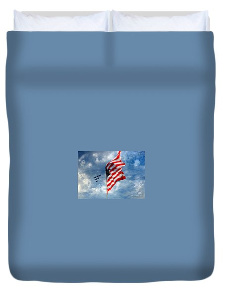 The Star Spangled Banner Yet Waves Duvet Cover by Lydia Holly