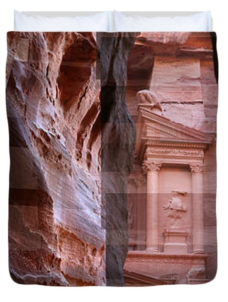 The Treasury Of Petra Jordan Duvet Cover