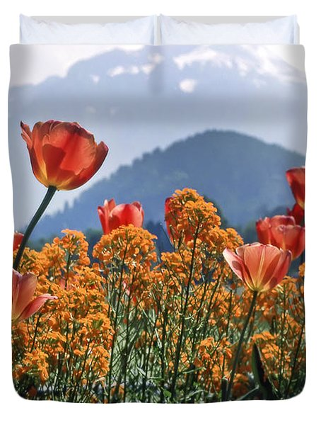 The Tulips In Bloom Duvet Cover