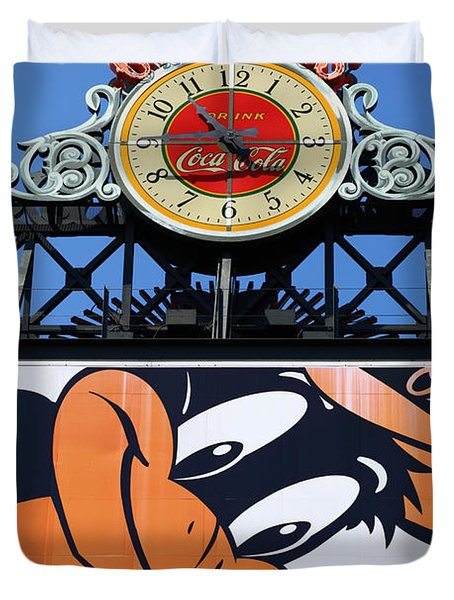 Thirsty Oriole Duvet Cover