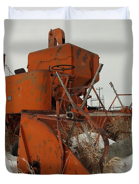 Thrashing The Snow Duvet Cover by Jeff Swan