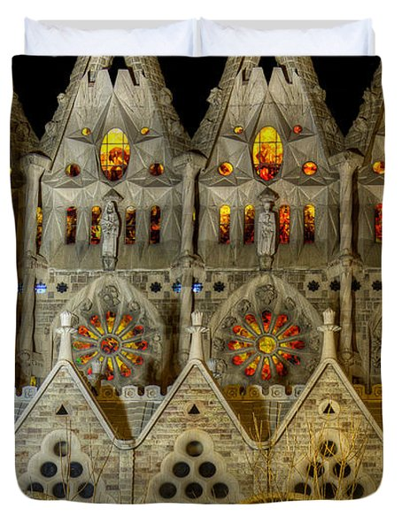 Three Tiers - Sagrada Familia At Night - Gaudi Duvet Cover