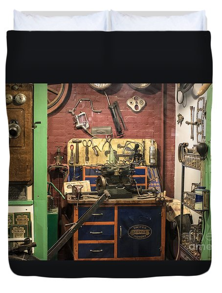 Garage Of Yesteryear Duvet Cover