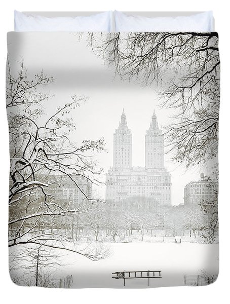 Through Winter Trees - Central Park - New York City Duvet Cover