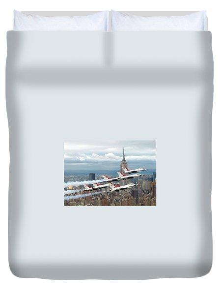Thunderbirds Over New York City Duvet Cover by U S A F