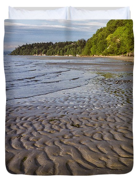 Duvet Cover featuring the photograph Tidal Pattern In The Sand by Jeff Goulden